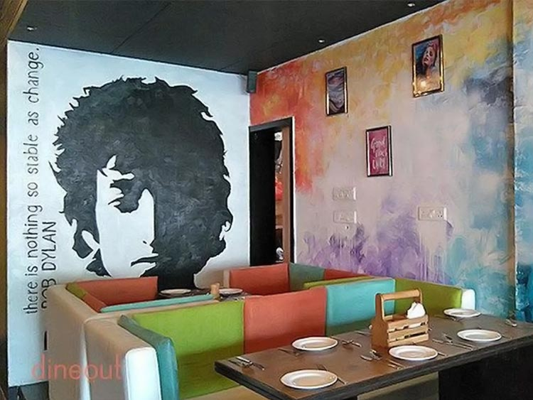 Baccara Lounge