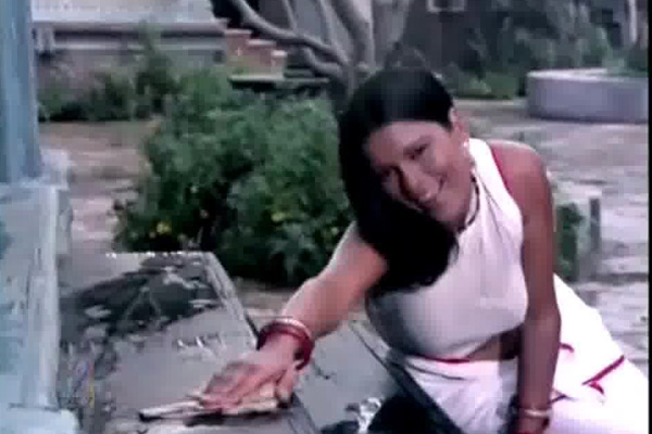 Zeenat Aman in Satyam Sivam Sundaram