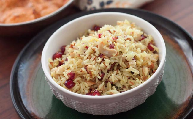# Modur Pulao: The sweetened Kashmiri rice prepared with all the spices, dry fruits, milk, ghee and saffron will surely make you yearn for more.