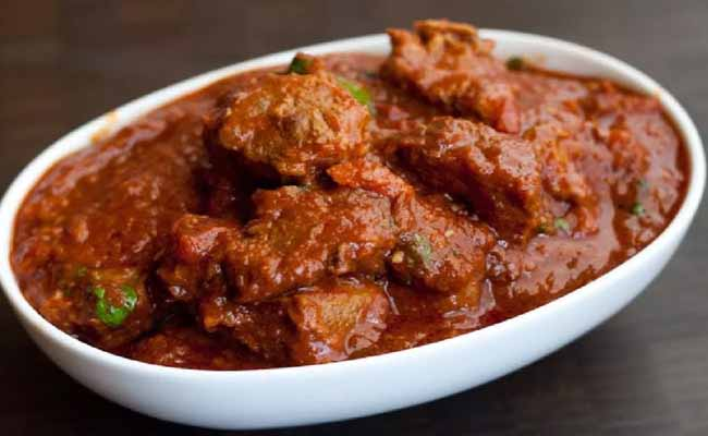 # Rogan Josh: An aromatic lamb dish that was introduced in India by the Mughals is a very healthy low fat dish that tastes amazing with rice or naan.