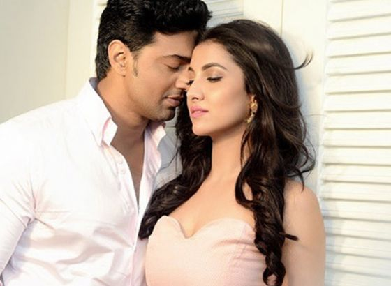 Dev and his would be Rukmini Mitra Trolled for the Remake of TITANIC