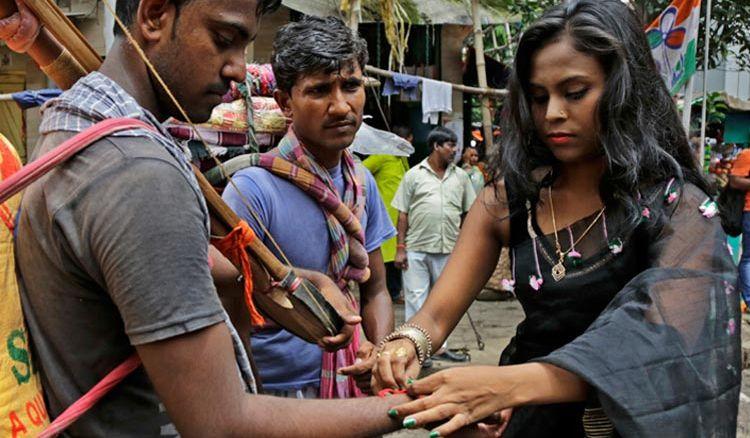 Sonagachi Sex Workers marked Raksha Bandhan Day - Jiyo Bangla