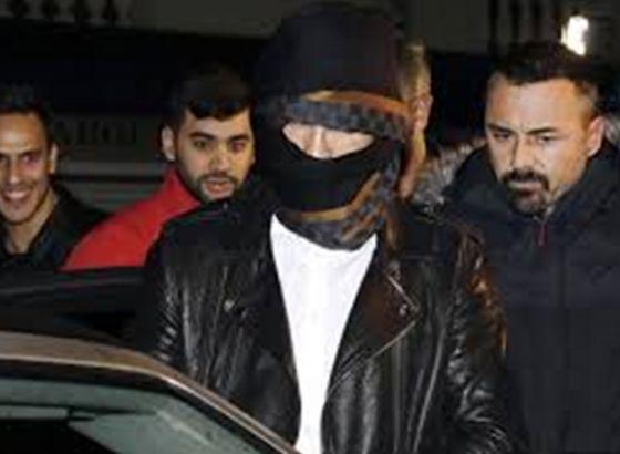 Guess Who Turned Ninja to Avoid Paparazzo