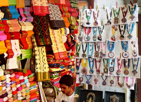If you want to fill your shopping basket - come binge shopping at Gariahat market