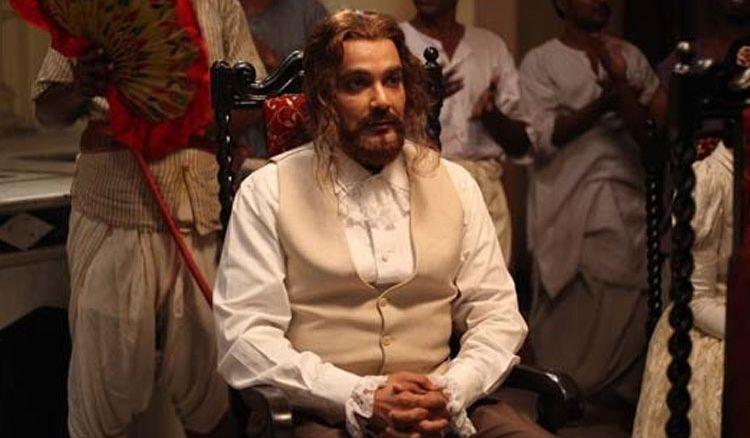 Is Prosenjit Chatterjee hiding one of his looks of Jaatiswar from public?
