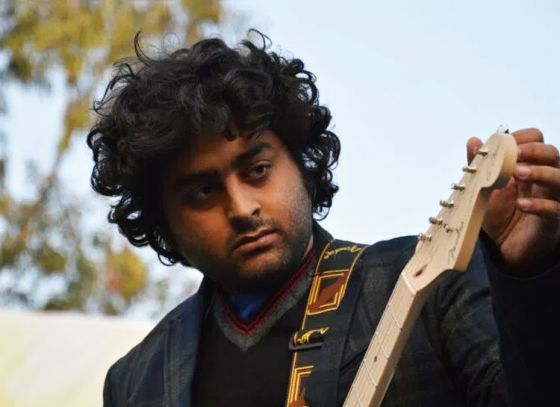 Debut director Arijit Singh is searching for Bengali dialogue writers