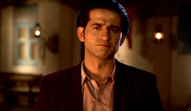 Agnidev Chatterjee has included Hiten Tejwani in his debut Hindi film Tere Aane Se