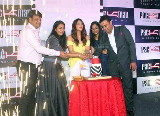 Actress Vaani Kapoor inaugurates Packman Lifestyle in Kolkata