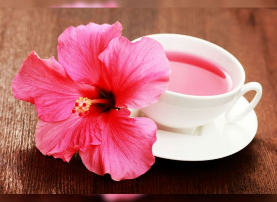 5 Amazing Benefits of Hibiscus Tea