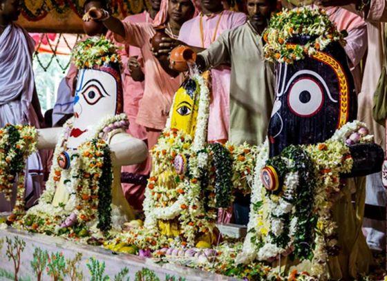 Make a way for Lord Jagannath at Mayapur