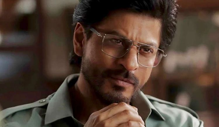 Not 'selfless enough' to become a politician: SRK