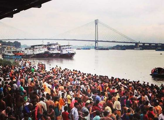 Kolkata will have Changing room in ghats during chhat puja.