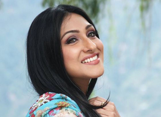 Rituparna in Hari Vishwanath's next project