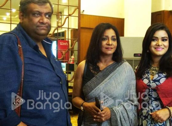 """This movie deals with a socio-political issue"": Sreela Majumdar"