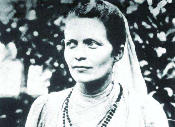 Sister Nivedita's statue in UK