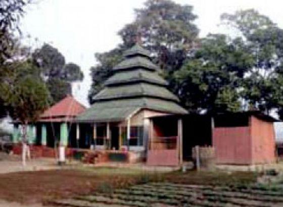 The Empire Of Dacoit-Bhabani Pathak