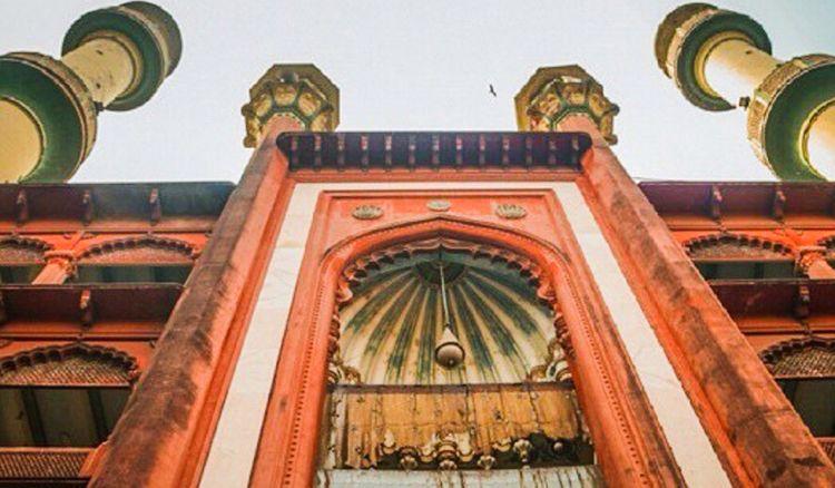 Nakhoda Masjid and Tipu Sultan Masjid likely to accommodate women for saying namaz