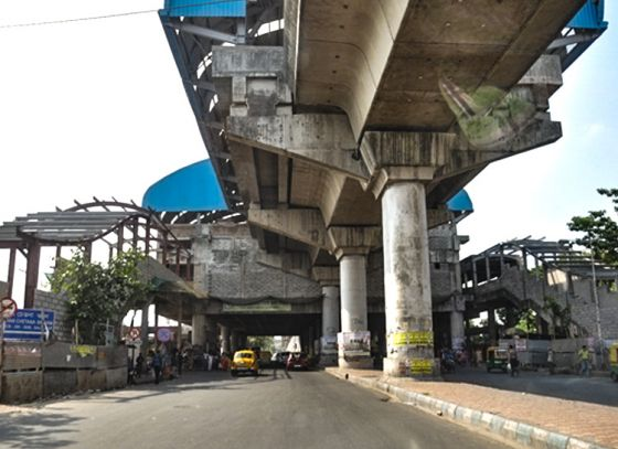 No extra exits for two E-W metro stations?
