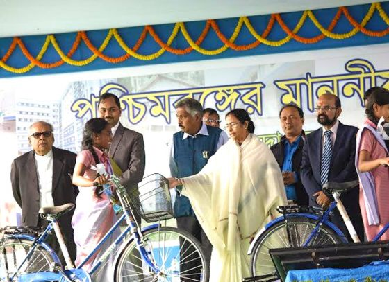 Now Kolkata students to get Winter Clothings from project Sabuj Saathi