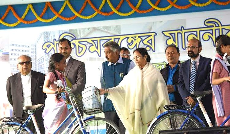 Now Kolkata students to get an alternative to project Sabuj Saathi
