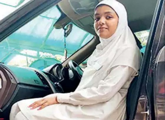 Burdwan Girl Lands in ISRO Control Room