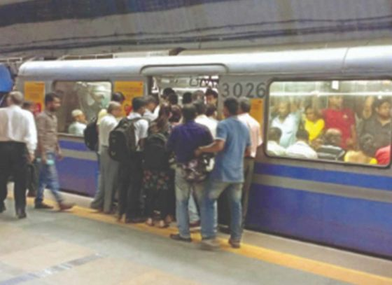 Kolkata Metro to tackle rush