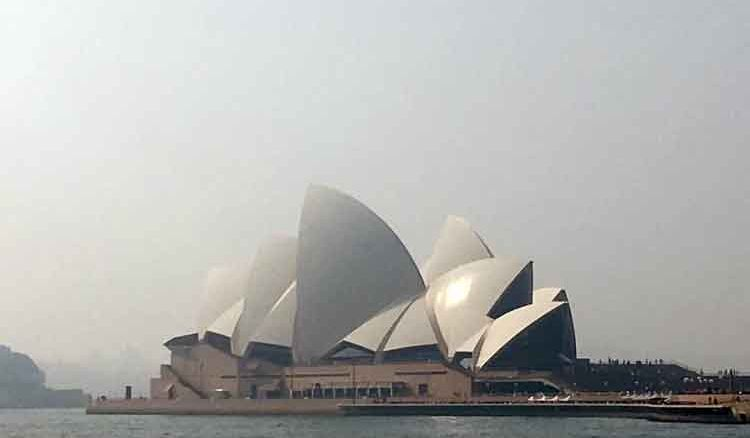 Australia to Kremlin, big countries to embrace New Year