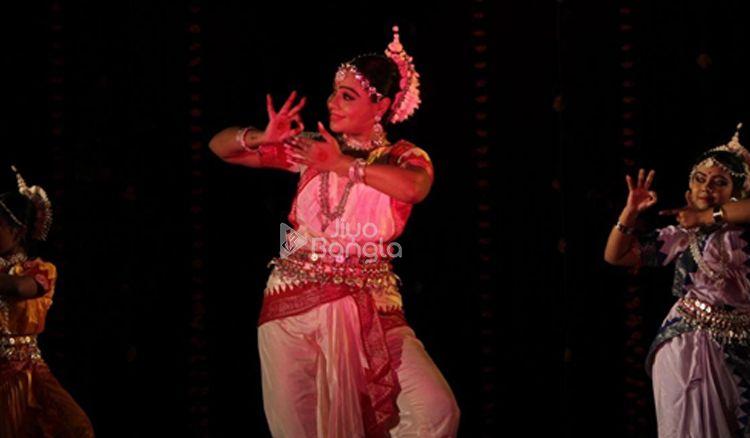 Meet the trained Odissi Dancer- Apsara Guha Thakurta
