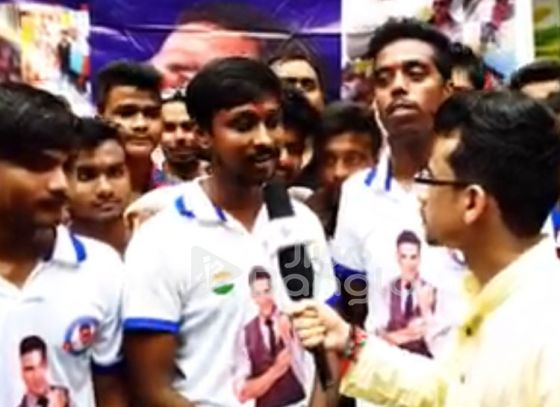 Watch the video to see what the Akshay Kumar Fan Club Kolkata did